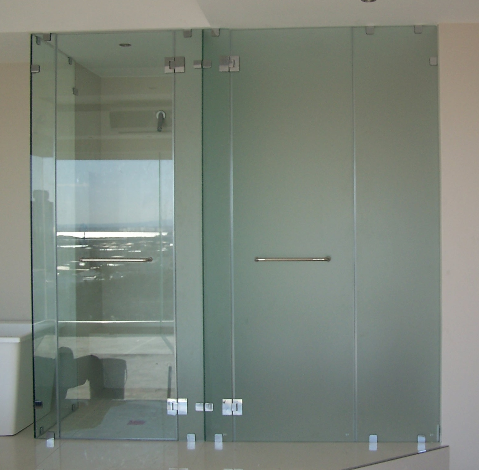 Frameless Showers Gridline Architectural Products